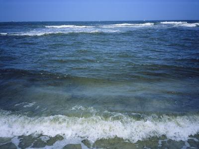 Atlantic Ocean Waves Breaking Toward the Beach-Vlad Kharitonov-Photographic Print