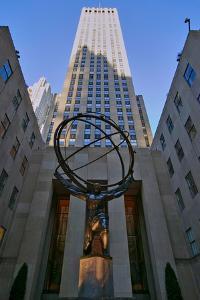 Atlas Statue holding the world at Rockefeller Center, New York City, New York