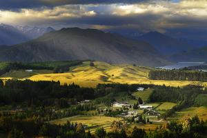 Wanaka, New Zealand by AtomicZen