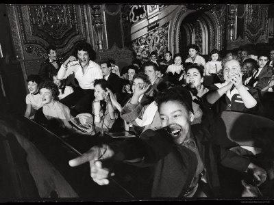 https://imgc.artprintimages.com/img/print/audience-members-enjoying-alan-freed-s-easter-show-at-brooklyn-paramount-theater_u-l-p3lzin0.jpg?p=0