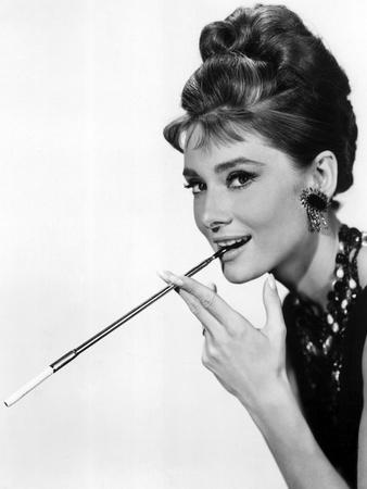 https://imgc.artprintimages.com/img/print/audrey-hepburn-in-breakfast-at-tiffany-s-1961_u-l-pwgmak0.jpg?p=0