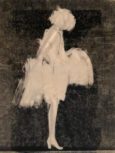 Silhouette 3 by Aurore De La Morinerie