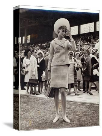 Jean Shrimpton (B.1942) at the Melbourne Cup in 1965