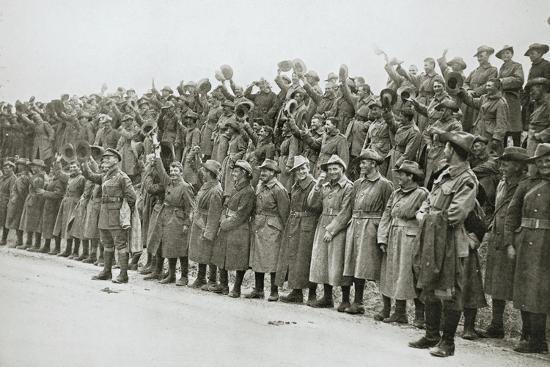 Australians cheer King George V, France, World War I, 1916-Unknown-Photographic Print