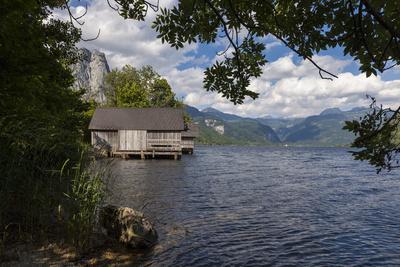 https://imgc.artprintimages.com/img/print/austria-styria-salzkammergut-resort-grundlsee-districtity-boathouse_u-l-q11xnpq0.jpg?p=0