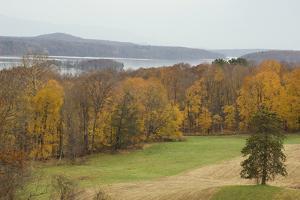 Autumn Color Along the Hudson River, Hyde Park, NY