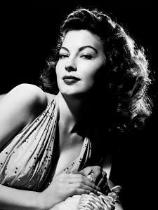 Ava Gardner, 1945