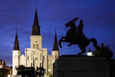 New Orleans, Louisiana, USA: Jackson Square, Heart Of The French Quarter, St. Louis Cathedral Bkgd