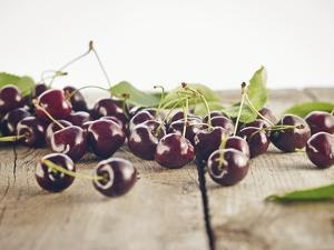 Cherry, Wood, Board, Brown, Red, Nature, Harvest, Fruit by Axel Killian