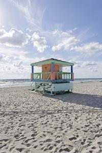 Beach Lifeguard Tower '14 St', Typical Art Deco Design, Miami South Beach by Axel Schmies