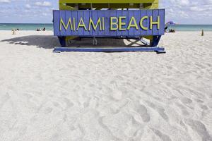 Beach Watch-Tower '5 St', Lifeguard Tower, Atlantic, Miami South Beach, Art Deco District by Axel Schmies