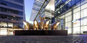 Sculpture with Berlin Bears, Replica of the Quadriga, Neues Kranzler Eck, KurfŸrstendamm, Kudamm by Axel Schmies