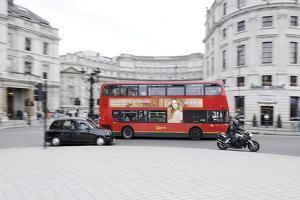 Street Scene, Red Double-Decker Bus, Roundabout, Charing Cross, Trafalgar Square by Axel Schmies