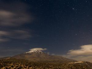 A Moonlit Autumn Night Above Mount Damavand by Babak Tafreshi