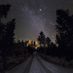 Winter Stars, Including Jupiter, and the Milky Way over the Large Binocular Telescope by Babak Tafreshi