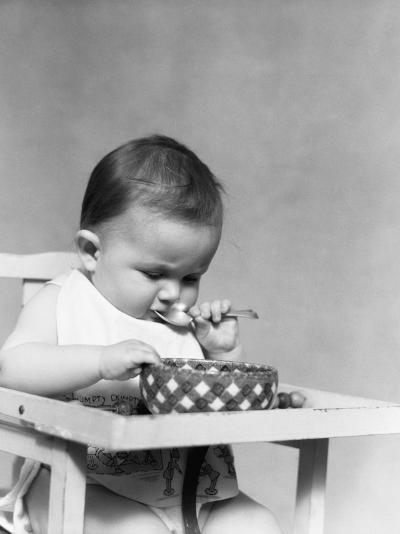 Baby Eating-H^ Armstrong Roberts-Photographic Print