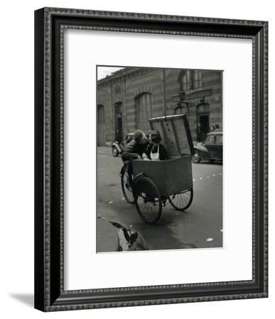 Baiser Blotto, c.1950-Robert Doisneau-Framed Art Print
