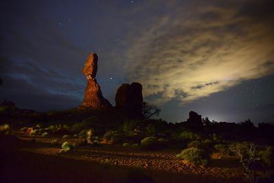 Balanced Rock at Night-Raul Touzon-Photographic Print
