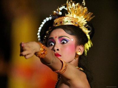 https://imgc.artprintimages.com/img/print/balinese-woman-dancing-at-the-great-youth-gong-kebyar-compilation-from-bangli-and-gianyar-regency_u-l-p1zq9d0.jpg?p=0