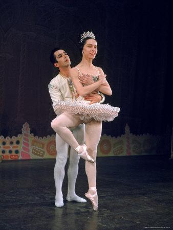 https://imgc.artprintimages.com/img/print/ballerina-maria-tallchief-performing-in-the-nutcracker-ballet-at-city-center_u-l-p43g420.jpg?p=0