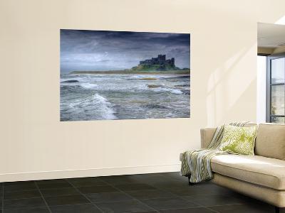 Bamburgh Castle, Northumberland, England, UK-Alan Copson-Giant Art Print
