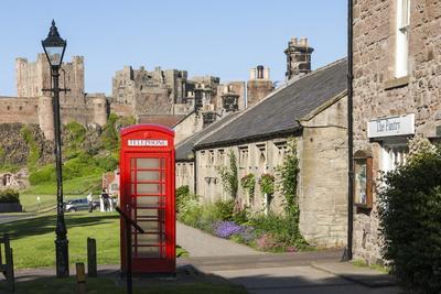 https://imgc.artprintimages.com/img/print/bamburgh-village-and-castle-northumberland-england-united-kingdom-europe_u-l-png8es0.jpg?p=0