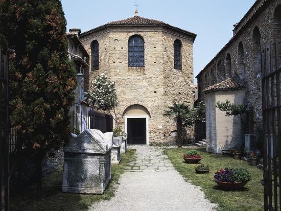 Baptistery of the Basilica of St Euphemia, Late 5th Century, Grado, Friuli-Venezia Giulia, Italy--Photographic Print