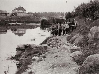 Barge Haulers on the Volga, Russia, C1895--Giclee Print