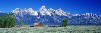 https://imgc.artprintimages.com/img/print/barn-on-plain-before-mountains-grand-teton-national-park-wyoming-usa_u-l-ok1fb0.jpg?p=0