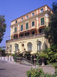 Grand Hotel Excelsior Vittoria, Sorrento by Barry Winiker
