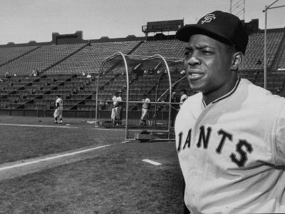 Baseball Star, Willie Mays on the Field--Premium Photographic Print