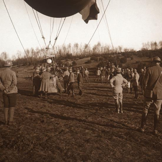 Basket of barrage balloon, c1914-c1918-Unknown-Photographic Print