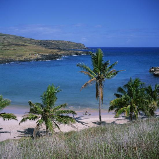 Easter Island Beaches: Beach And Coastline At Playa Anakena, On The North Coast