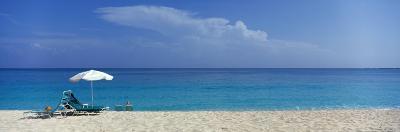 Beach Scene, Nassau, Bahamas--Photographic Print