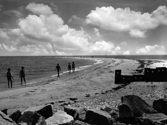 Beach scene point lookout marylandby a aubrey bodine