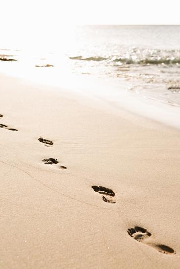 Beach Walk-Karyn Millet-Photo
