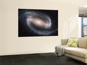 Beautiful Barred Spiral Galaxy NGC 1300, Hubble Space Telescope