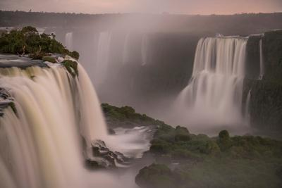 https://imgc.artprintimages.com/img/print/beautiful-landscape-of-waterfall-on-long-exposure-at-night-iguazu-falls-foz-do-iguacu-parana-sta_u-l-q1gx3i20.jpg?p=0