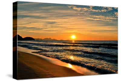 Beautiful Sunrise In The Beach-dabldy-Stretched Canvas Print