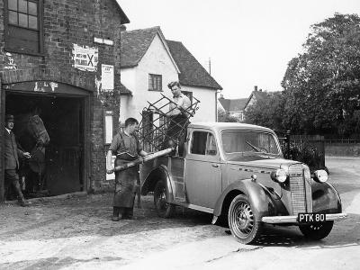 Bedford 6Cwt Utility Wagon, 1938--Photographic Print