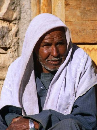 https://imgc.artprintimages.com/img/print/bedouin-man-at-village-of-matar-in-wadi-shagg-sinai-egypt_u-l-p4fo5y0.jpg?p=0