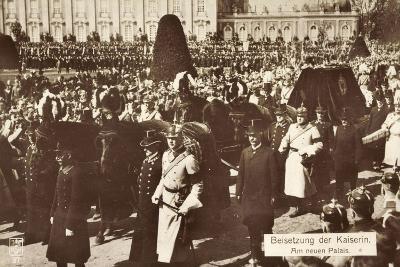 Beisetzung Der Kaiserin Auguste Viktoria 1921--Giclee Print
