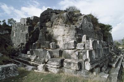 https://imgc.artprintimages.com/img/print/belevi-mausoleum-3rd-century-bc-turkey_u-l-pw39cz0.jpg?p=0