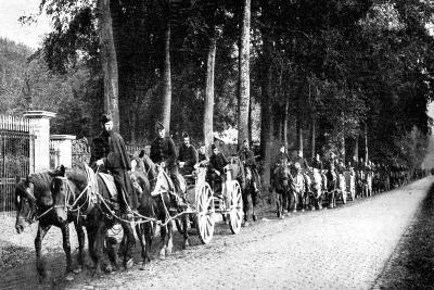 Belgian Artillery Avoiding German Taube Planes, First World War, 1914--Giclee Print