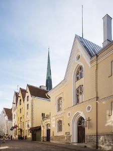 Old Town, UNESCO World Heritage Site, Tallinn, Estonia, Europe by Ben Pipe