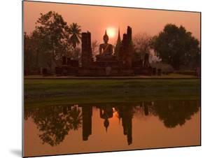 Wat Mahathat, Sukhothai Historical Park, UNESCO World Heritage Site, Sukhothai Province, Thailand, by Ben Pipe