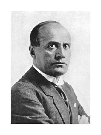 https://imgc.artprintimages.com/img/print/benito-mussolini-italian-fascist-dictator-c1930s_u-l-ptpyi90.jpg?p=0