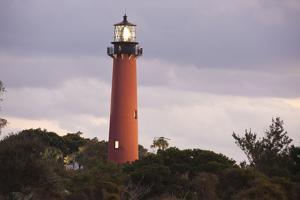 Jupiter Inlet Lighthouse by benkrut