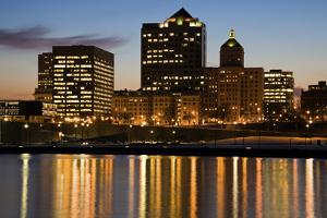 Night in Milwaukee by benkrut