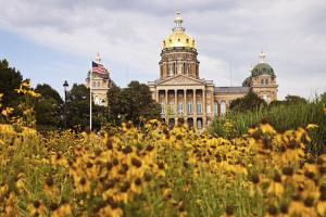 State Capitol Building in Des Moines by benkrut